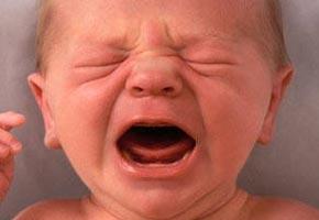 bambino-piange